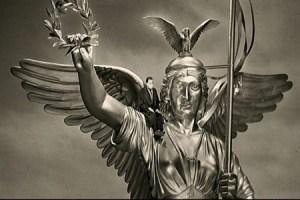 12-Damiel-sobre-la-estatua-